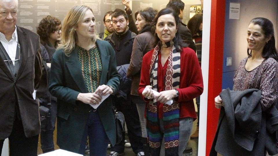 Manifestación en Monforte contra el cierre de ESO y BAC en el instituto Daviña Rey.La presidenta del Parlamento gallego inauguró la exposición «Arquitectura do Parlamento de Galicia».