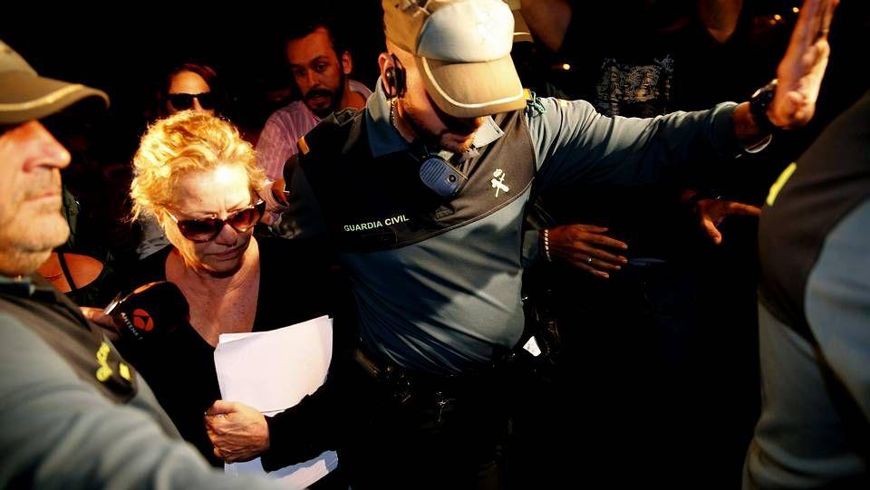 Maite Zaldívar, ex mujer de Julián Muñoz, a su llegada a la cárcel de Alhaurín de la Torre, en Málaga.