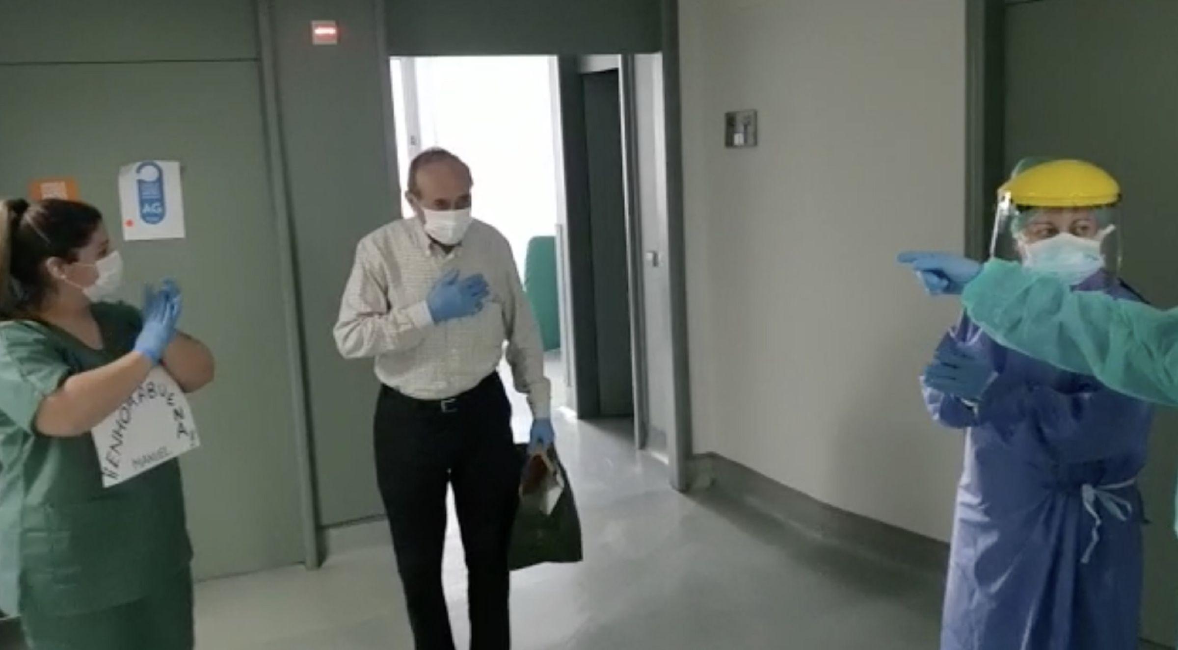 Manuel se va de alta después de dos semanas ingresado en Vithas Fátima
