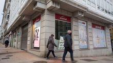 Fachada de una de las tiendas de Perfumerías Arenal en Lugo