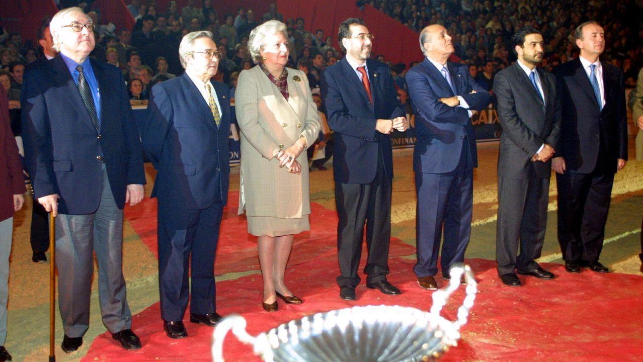 Pilar de Borbón, en la entrega de premio de una prueba hípica de Vigo en el año 2002