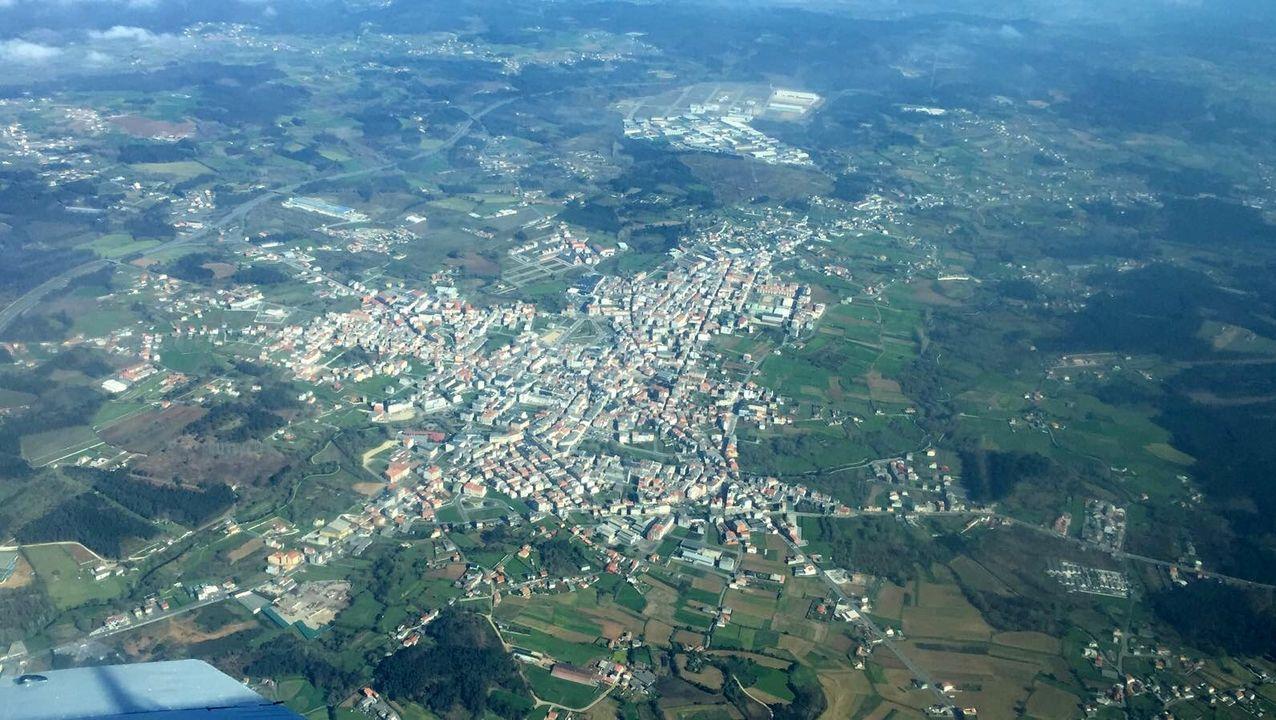 El adiós en imágenesal empresario Manuel Jove.Proyecto del arquitecto Patxi Mangado para levantar las torres de viviendas y bajos comerciales del barrio de San Lázaro, en Oviedo