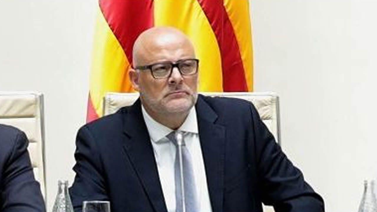 Lluís María Coromines. Exmiembro de la Mesa del Parlamento. Desobediencia