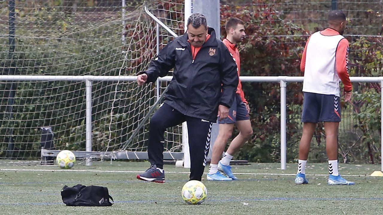 Las imágenes del balonmano Teucro - Barça B