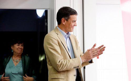 Pablo Iglesias, convencido de que formará gobierno con el PSOE.Pedro Sánchez, a su llegada a la reunión de la ejecutiva del PSOE celebrada en Ferraz