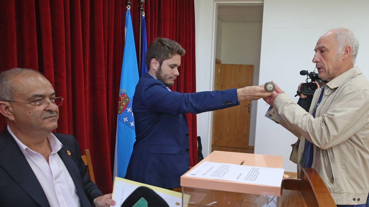 Caballero critica la visión «de país de las maravillas» que da Feijoo de Galicia.Preparación del último debate televisado para unos comicios autonómicos