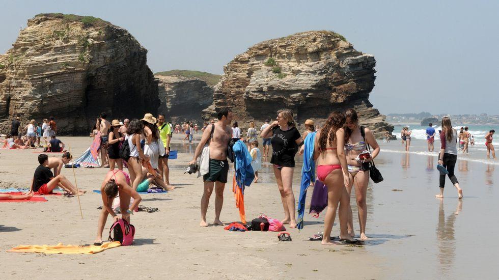 Playa de Retorta, en Boiro.Playa de As Catedrais, en Ribadeo