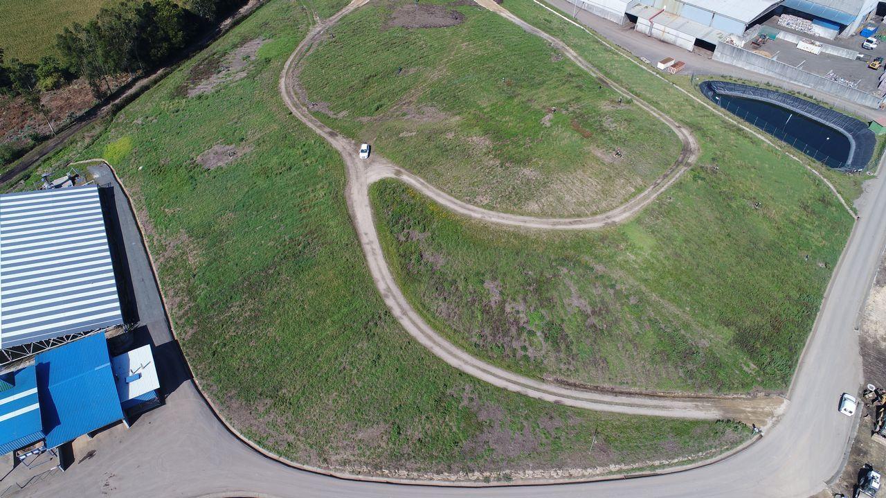 Bruno destrozó el cierre perimetral de las pistas de O Castelo