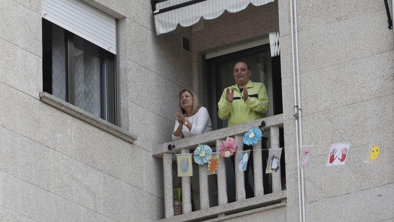 Vecinos del número 3 de la rúa Seixalbo