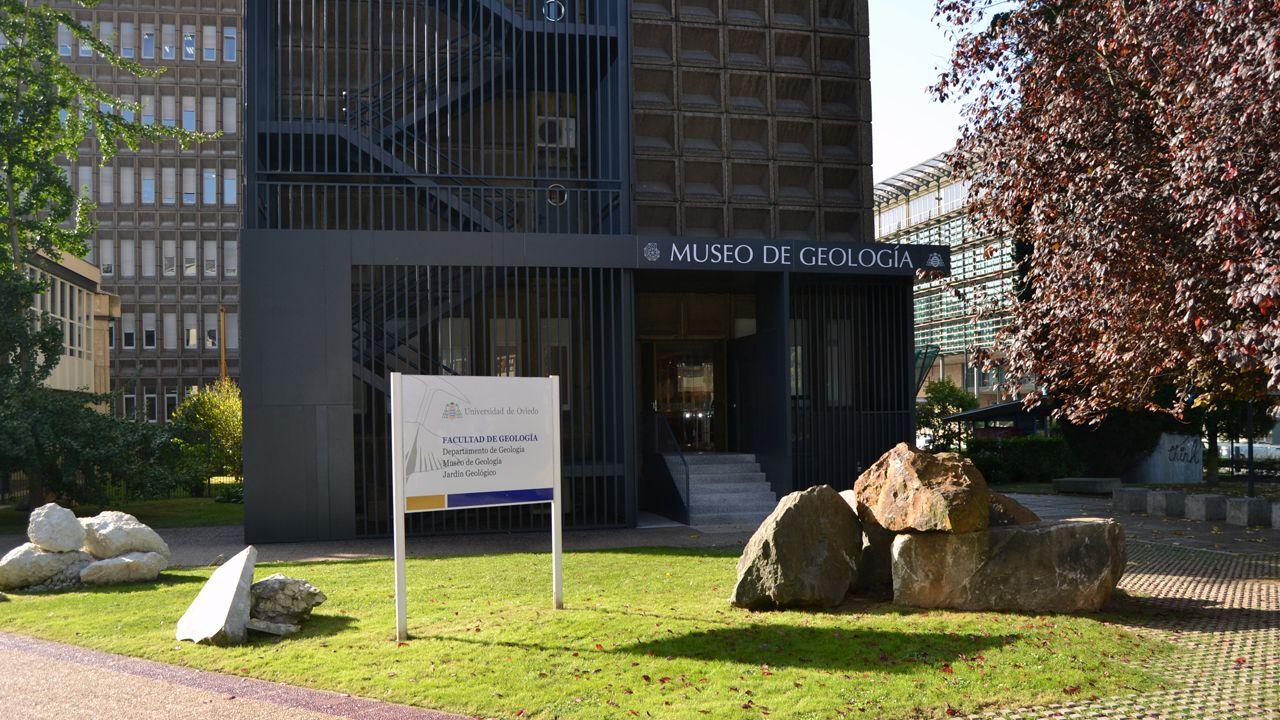 Residencia de estudiantes Gijón.Acceso a la Facultad de Geología, en la zona de Llamaquique