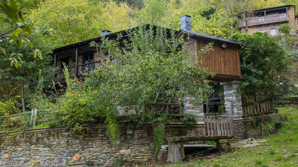 En varias construcciones se nota el abandono que padeció la aldea