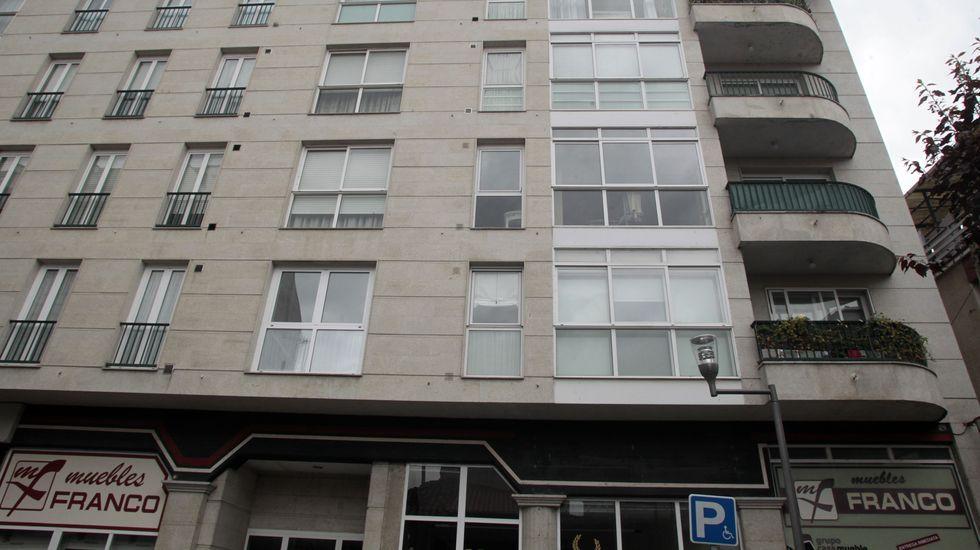 Edificio de la calle Otero Pedrayo en el que la fallecía adquirió uno de los terceros pisos