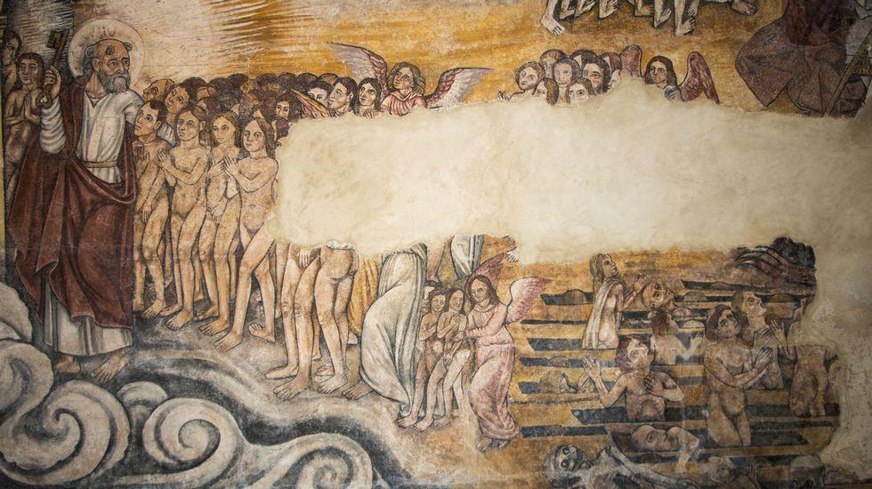 San Pedro guía al cielo las almas de los bienaventurados, en una de las pinturas del muro norte