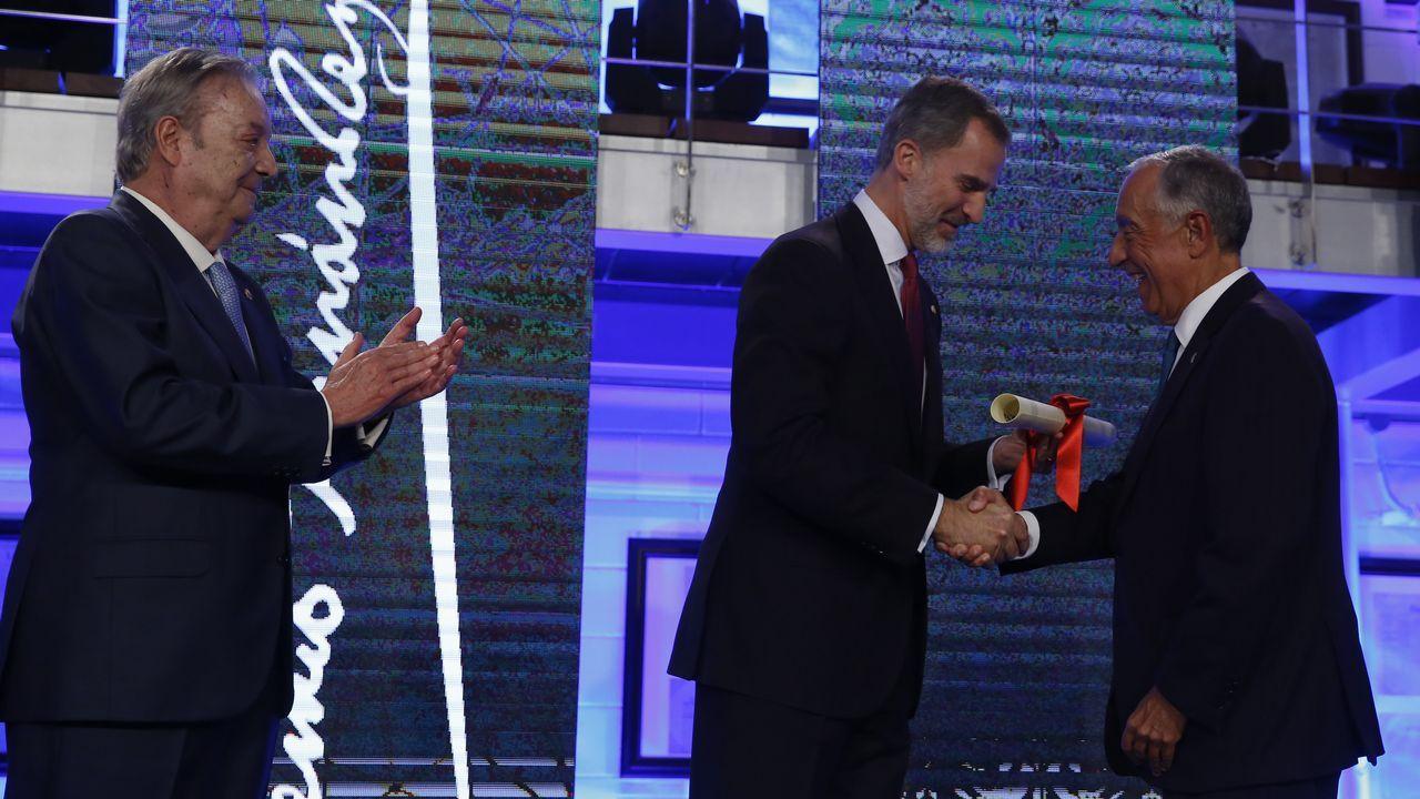 El Rey entrega el premio Fernández Latorre a Rebelo de Sousa