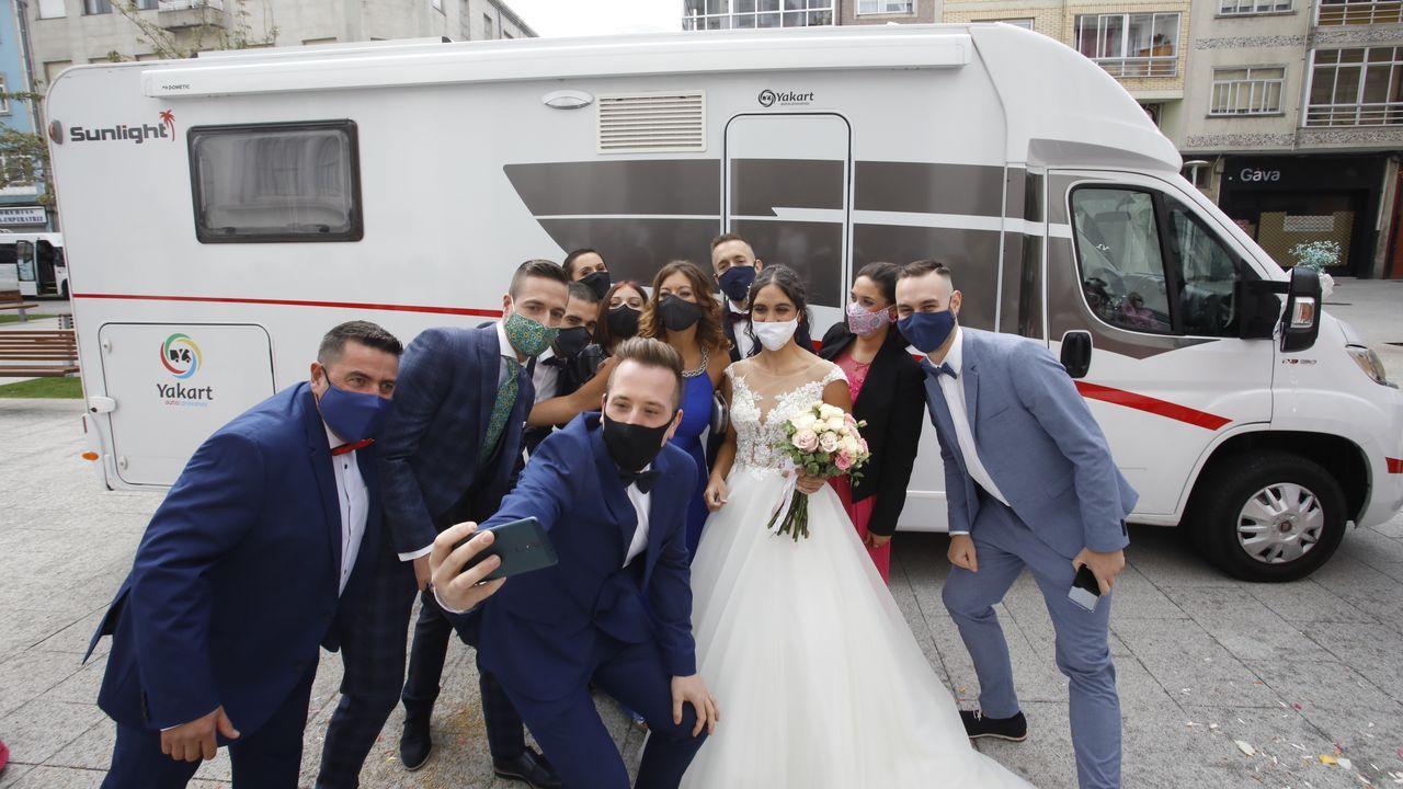 Así está el viejo matadero.Andrea y Rubén sorprendieron a sus invitados al llegar la novia en autocaravana