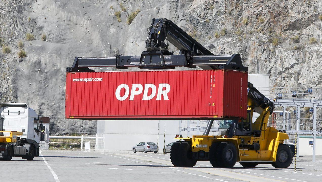 La mercancía contenerizada y los graneles líquidos batieron sus anteriores registros