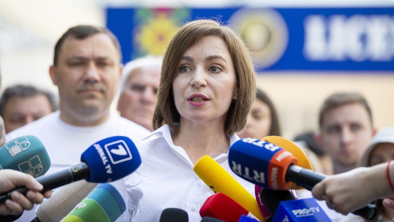 La presidenta de Moldavia, Maia Sandu, en una rueda de prensa el día de las elecciones parlamentarias