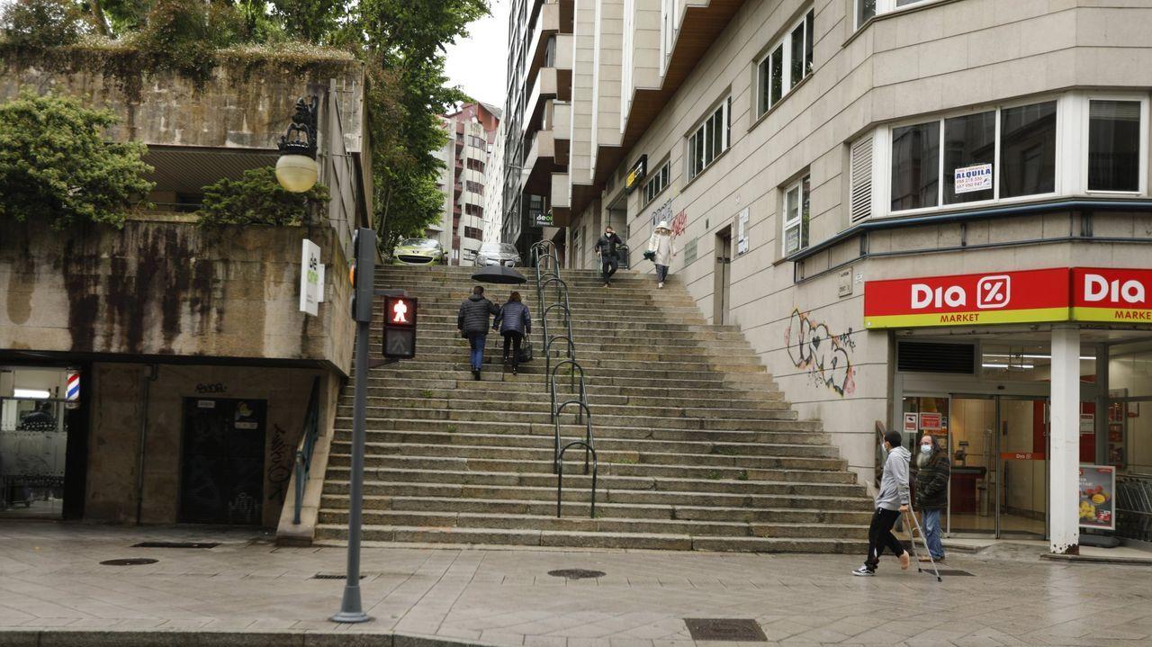 Jácome prevé escaleras automáticas en varios punto de la capital, como en el tramo de calle que une Progreso con Concello