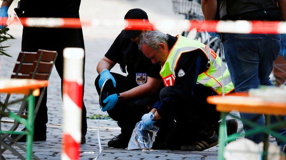 El Estado Islámico reivindica el ataque suicida de Ansbach.El personal de la Cruz Roja acompañó en todo momento al primer grupo de refugiados que llega a Galicia procedentes de Líbano.