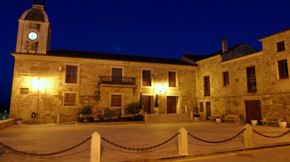 Imagen nocturna de la Praza do Concello, en una foto de archivo