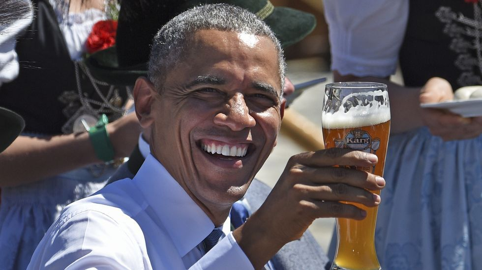 El espectacular salto base de Uli Emanuele.Obama en su visita a Kruen, Alemania