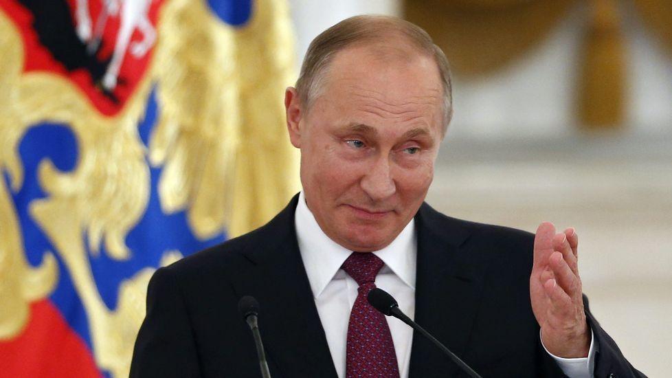 Volodin y Putin, ayer durante el anuncio del cambio.