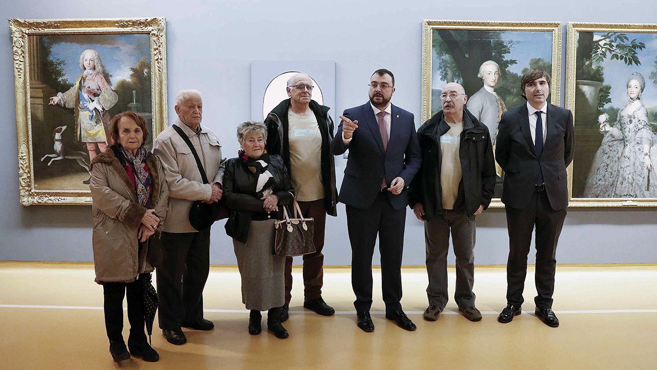 El presidente del Principado de Asturias, Adrián Barbón recibió a los participantes del programa Añoranza-Asturias 2019 en el Museo de Bellas Artes de Asturias