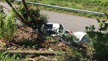 Punto de la Senda del Oso en el que cayó el ciclista, con la bici aún entre los matorrales