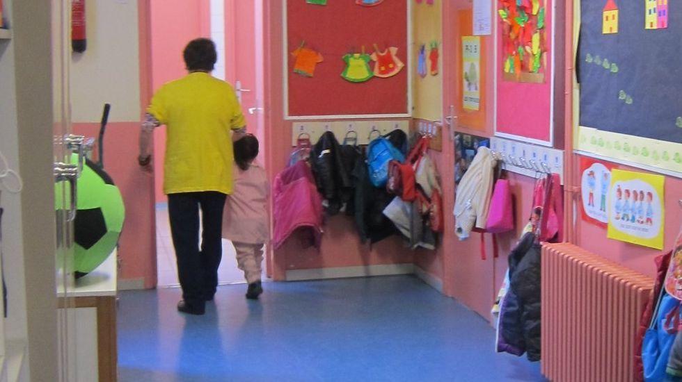 Los institutos, a medio gas.En Cataluña hay algo un millón de estudiantes en la escuela obligatoria, de los que unos 665.000 están en la pública y 335.000 en la privada