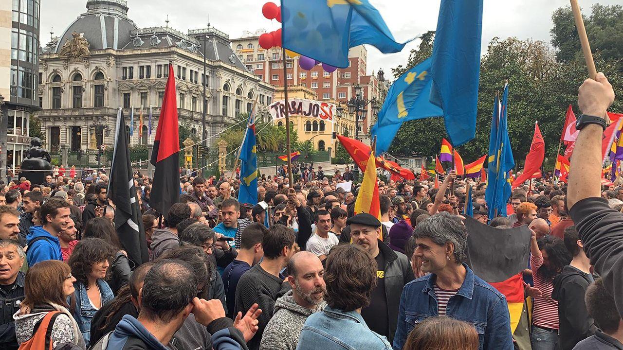Manifestación republicana en la plaza de La Escandalera