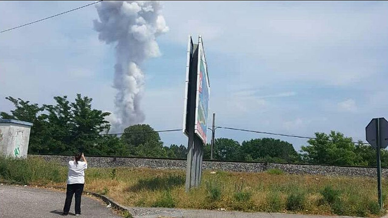 El diá después a la explosión mortal en Tui