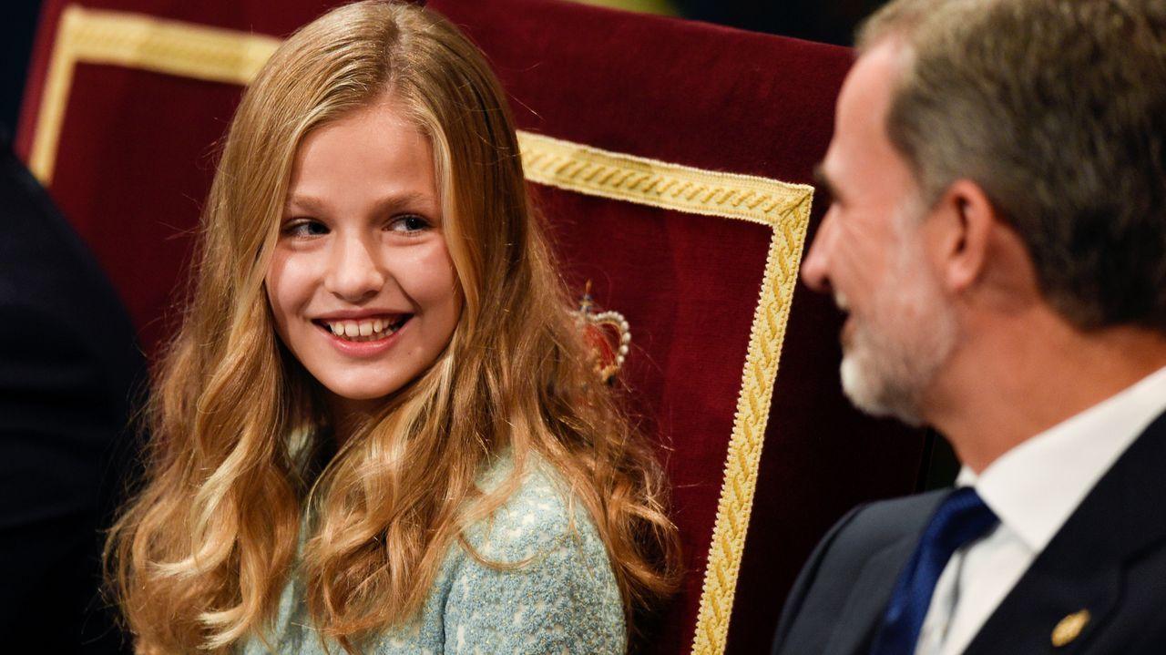 La familia real hace pública su nueva imagen.La princesa Leonor y el rey Felipe VI