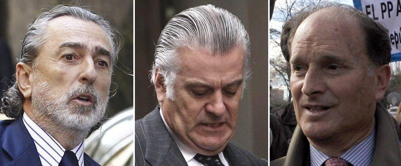 Estas son las penas de los principales imputados en la Gürtel.Francisco Correa, primero por la derecha y Álvaro Pérez, en el extremo opuesto de la bancada de los acusados, en el inicio del juicio de la rama valenciana de la Gürtel.