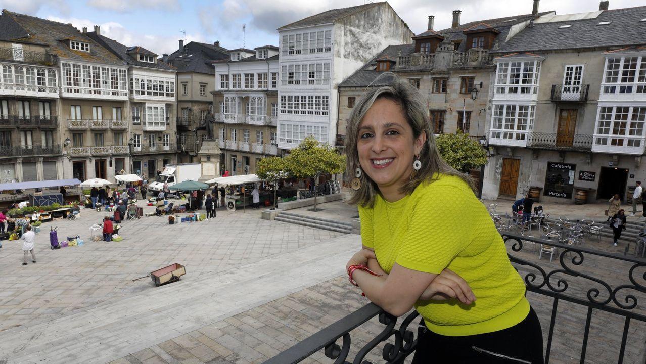 La alcaldesa María Loureiro, en una imagen de archivo, que brinda a los hosteleros todo el apoyo del Concello, dentro de las posibilidades y conciliando los derechos de esos empresarios con los del resto de vecinos