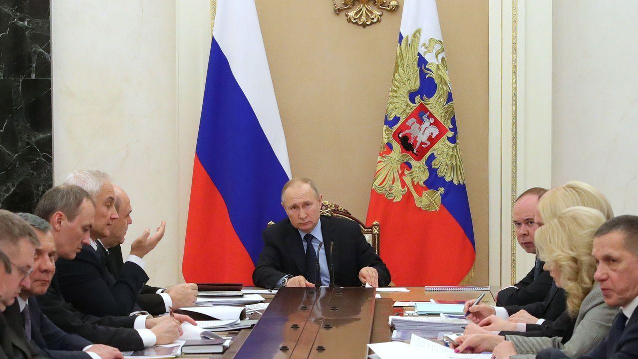 Putin, durante una reunión este martes con el Gobierno en el Kremlin