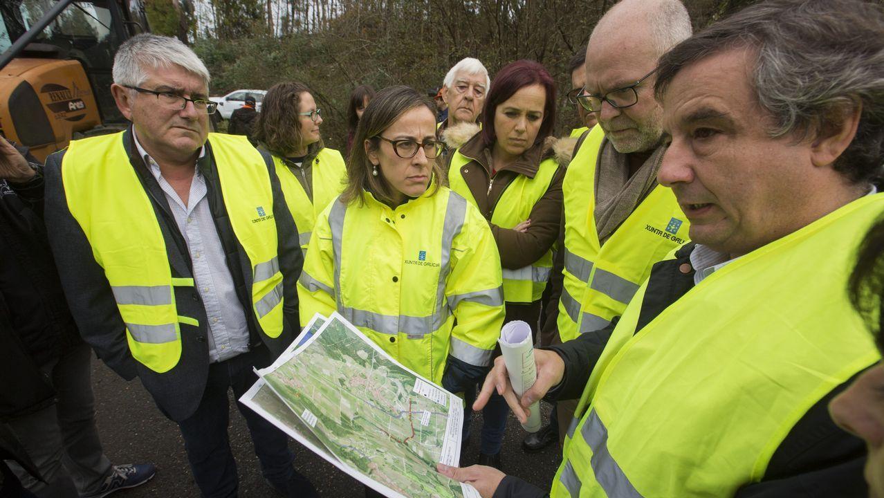 La conselleira de Infraestructuras visita las zonas afectadas por las riadas.Juzgado de Corcubión