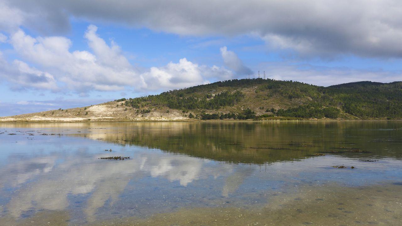 O Monte Branco de Ponteceso.Damián nos Penedos de Pasarela, en Vimianzo