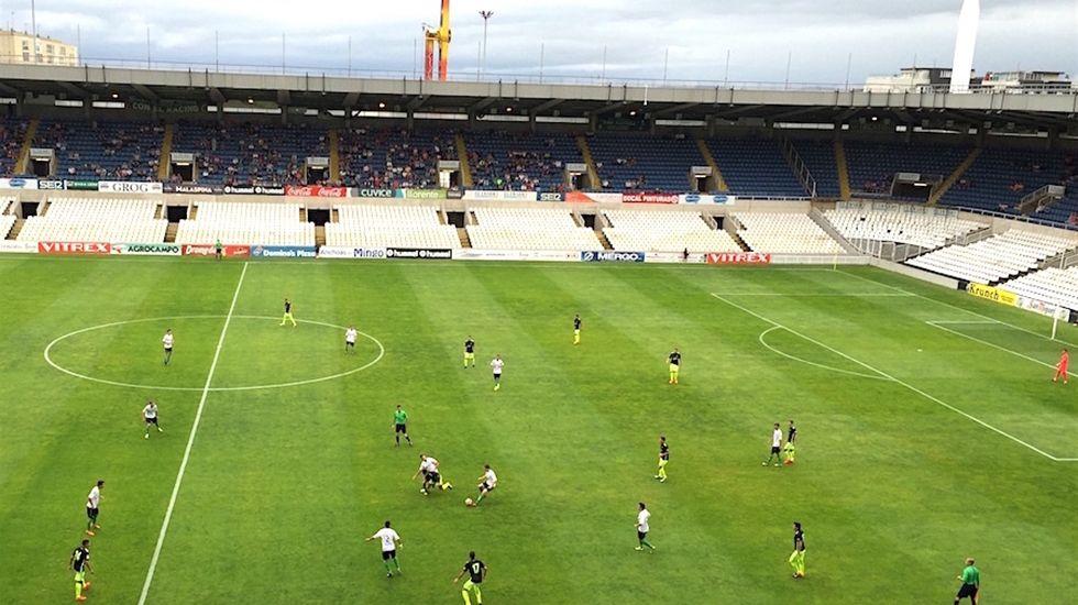 Celta B-Racing de Santander B, en imágenes.Saúl, con la camiseta del Dépor ante el Peñarol