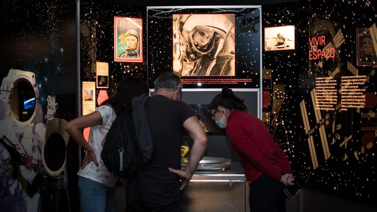 Así es la iluminación navideña en A Coruña.En la Casas de las Ciencias solo abrieron las salas de exposición no interactivas