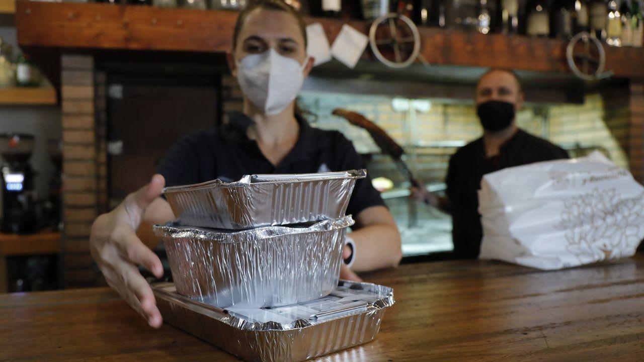 Restaurante La Requeta, en Oleiros, que ofrece envases para la comida sobrante
