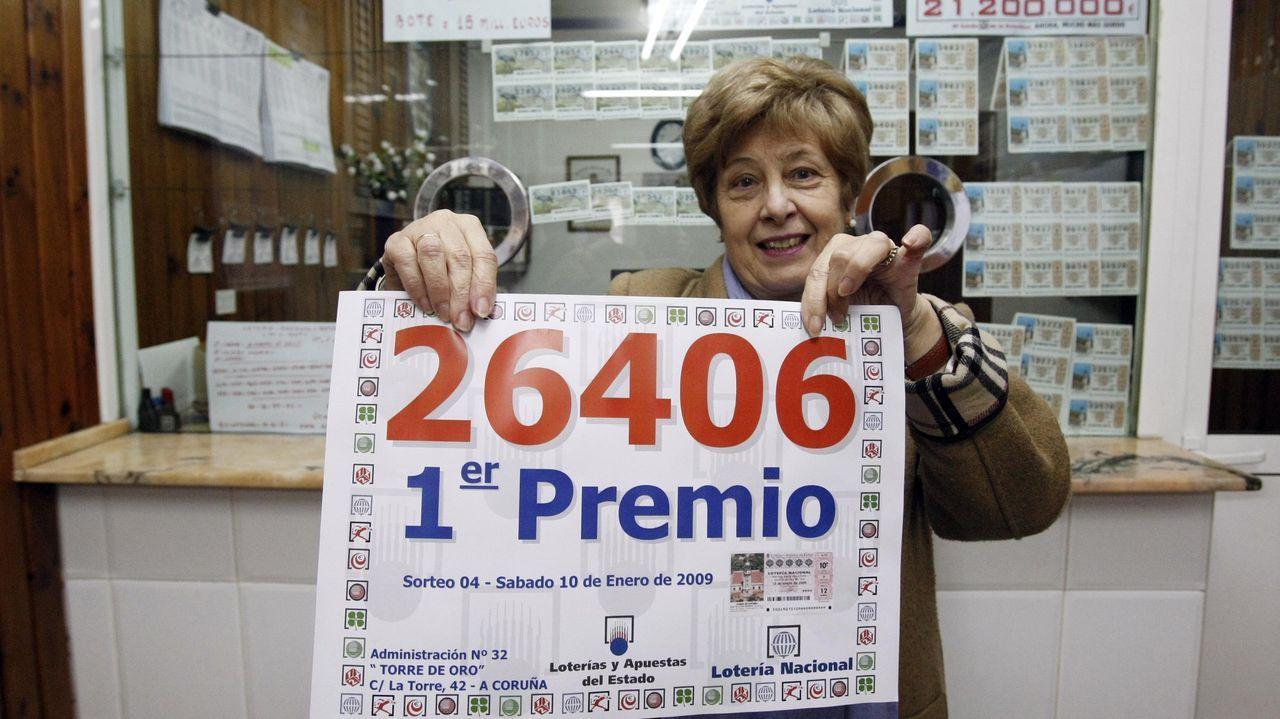 Algunas propiedades de la iglesia en Galicia.Imagen de archivo de otro premio entregado en la administración de loterías en el número 42 de la calle de la Torre