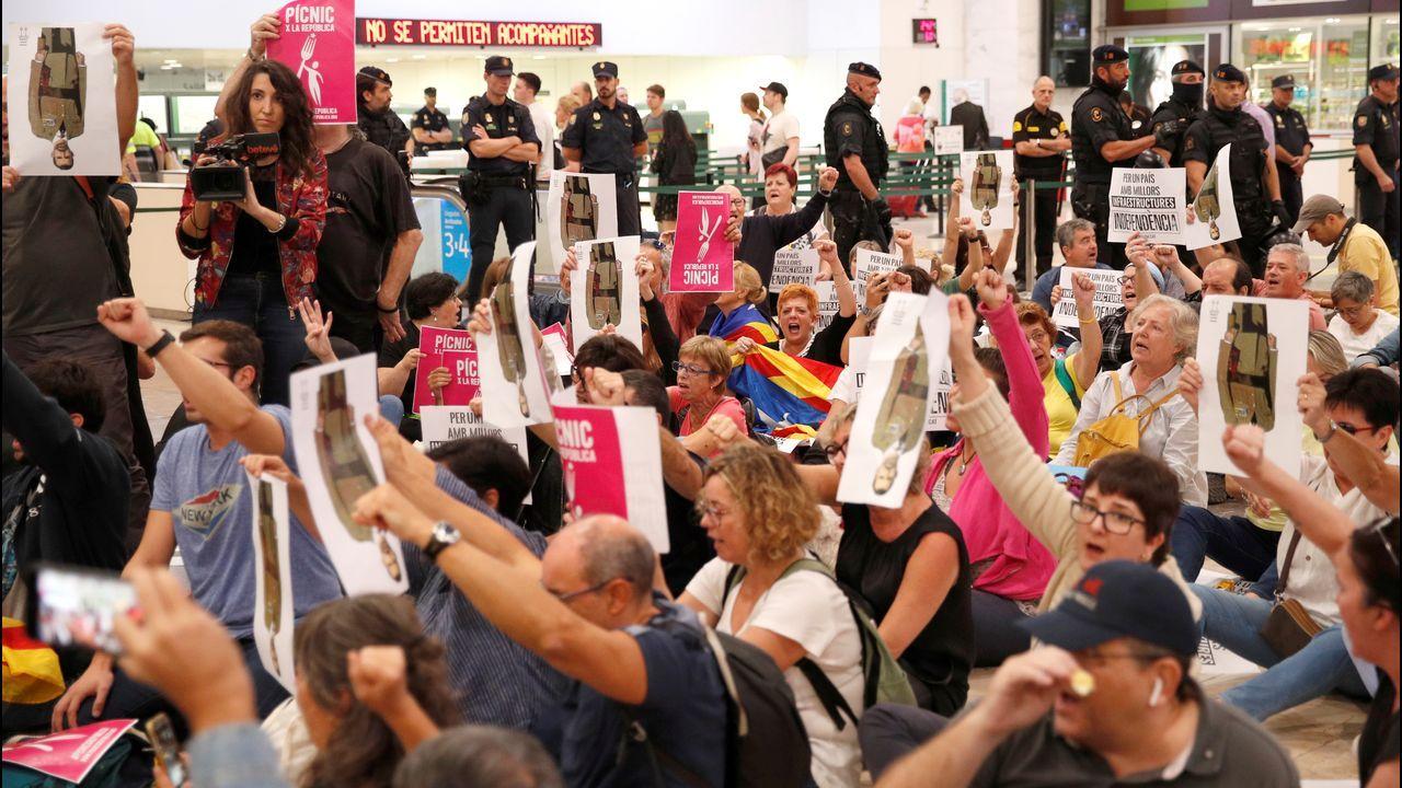Desalojo en la estación de Sants en Barcelona