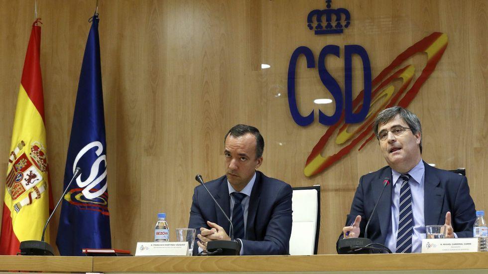 El presidente del Consejo Superior de Deportes, Miguel Cardenal, y el secretario de Estado de Seguridad, Francisco Martínez, durante la rueda de prensa de ayer.