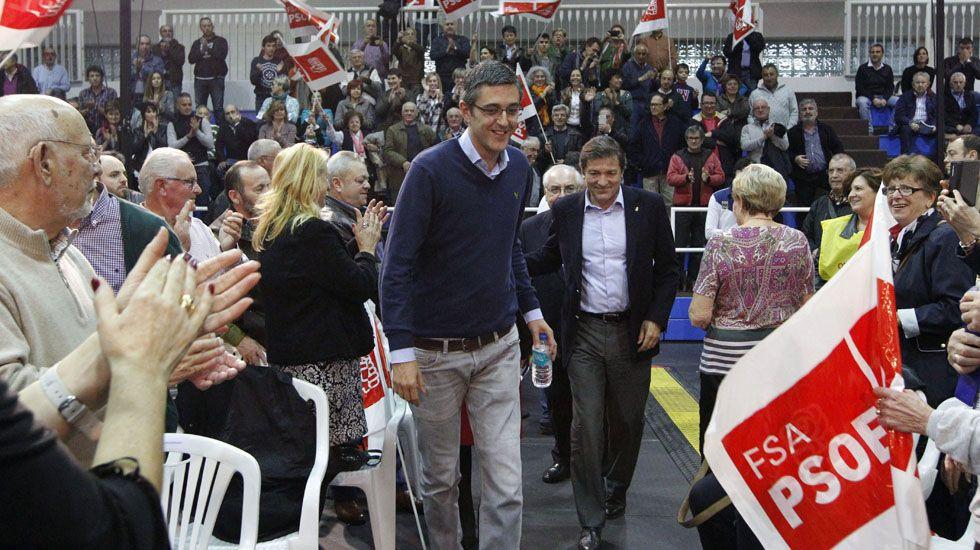 Eduardo Madina y Javier Fernández, en un mitin en Asturias.