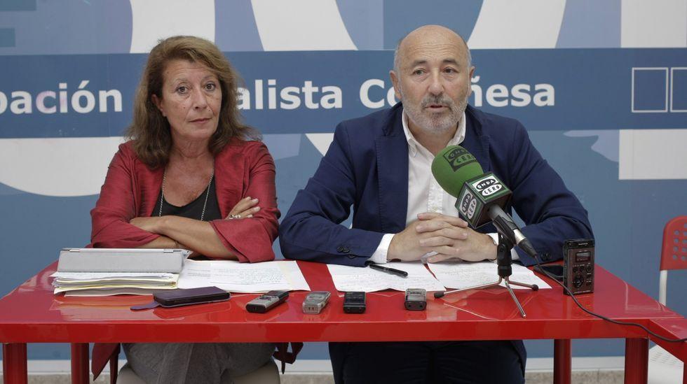 En agosto del 2015, con el senador Javier Losada, presentando las enmiendas presentadas a los Presupuestos Generales del Estado