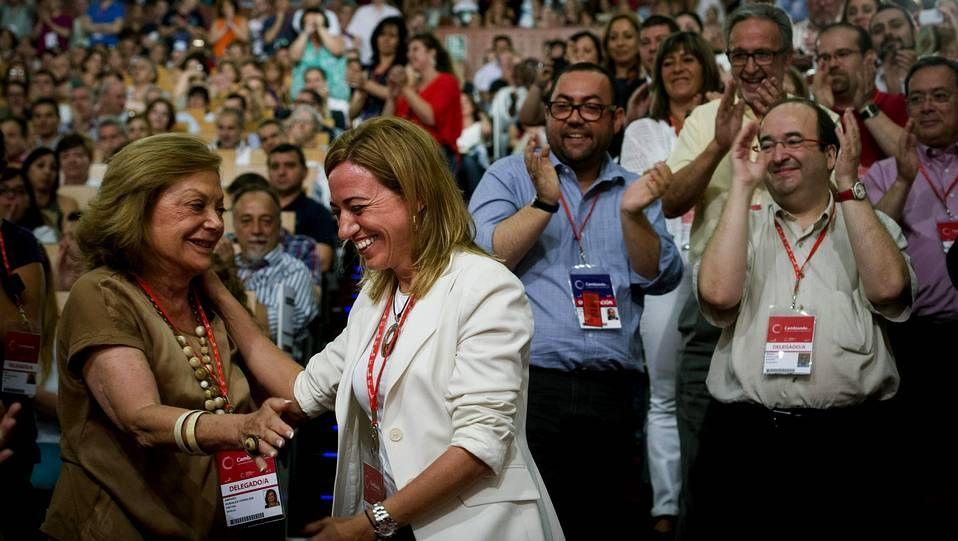 La exministra Carme Chacón, nueva Secretaria de Relaciones Internacionales de la ejecutiva Federal del PSOE, durante la clausura del congreso federal extraordinario del partido que ha ratificado a Pedro Sánchez como secretario general
