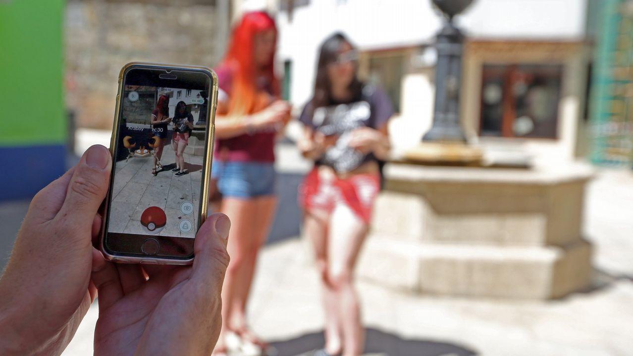 Una diabetes y una pancreatitis mejoradas gracias a cazar Pokémon.Varias personas se reúnen frente al Palacio de la Ópera de Sydney para jugar al Pokémon Go