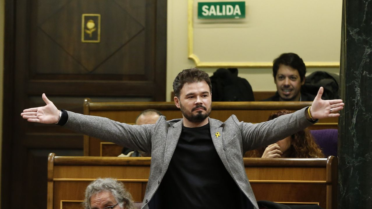 La portavoz del Grupo Socialista en el Congreso, Adriana Lastra, y el portavoz de ERC en el Congreso, Gabriel Rufián, en una imagen de archivo