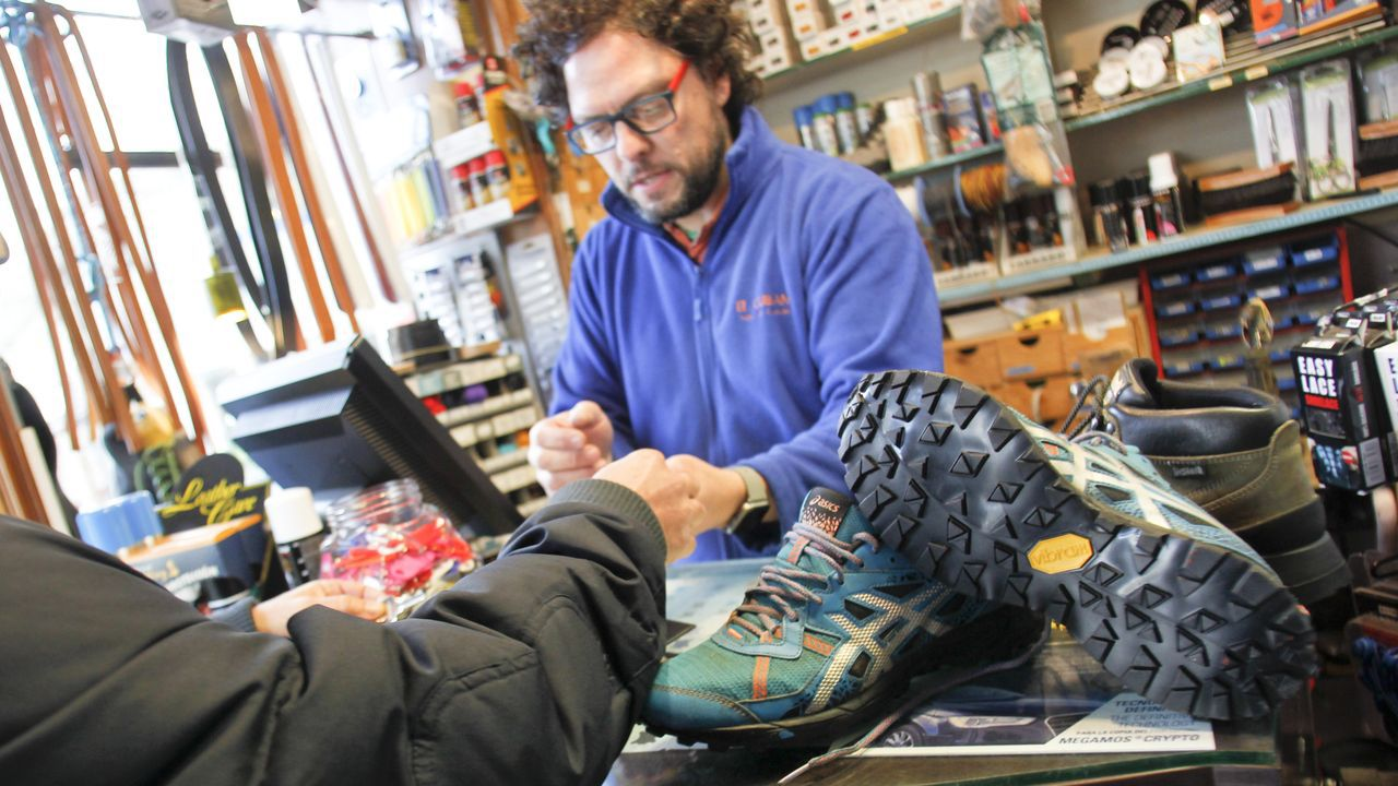 El taller de reparación de calzado El Cubano es uno de los que ya solicitado incorporarse al directorio de alargascencia.org