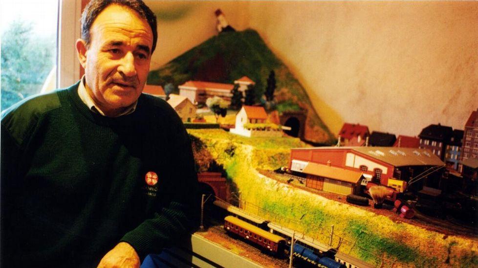 A entrega dos Premios Bos e Xenerosos, en imaxes.Casares cultivou sempre a afección polos trens eléctricos
